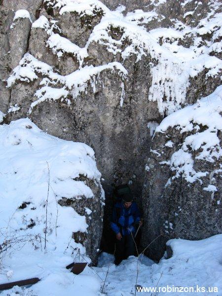 Эта пещера оказалась вертикальной