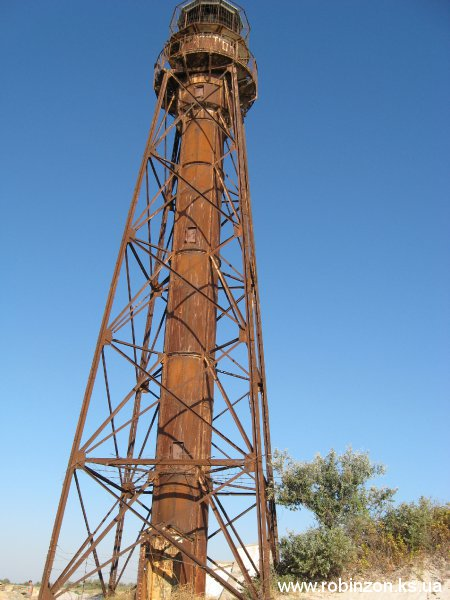 Старый маяк - был поставлен еще в дореволюционные времена