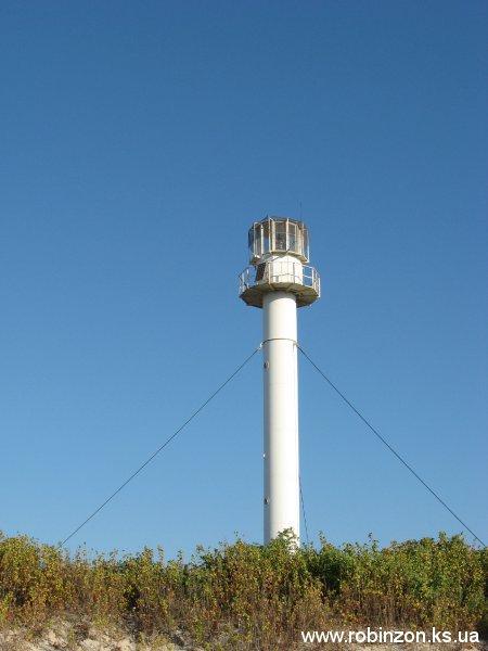 Новый маяк светит с 1997 года